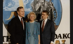 President bush with Governor and Mrs. Sinner